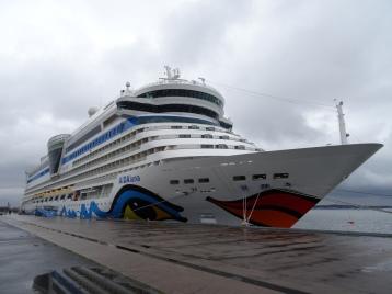 AIDAluna im Hafen von Göteborg