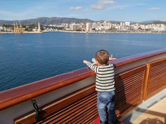 Auf Entdeckungstour auf dem Balkon