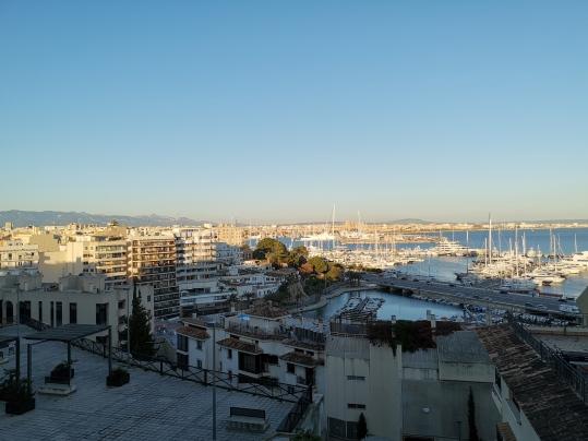 Blick aus unserem Hotelzimmer auf Palma