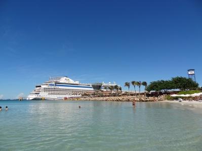 Isla Margartia - Strand mit Schiffsblick