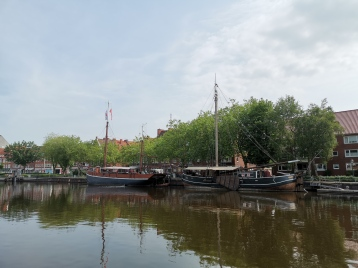Emden - Schiffe im Ratsdelft