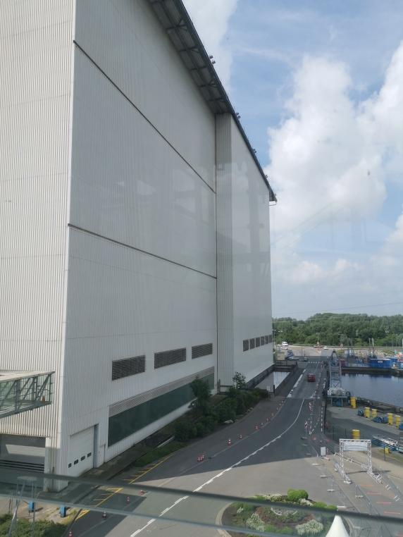 Meyer-Werft - Größte Schiffbauhalle der Welt